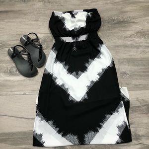 Mossimo white and black Maxi dress- XS